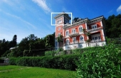 PR-A20, Lago Maggiore.Stresa. Appartamento in Villa d'epoca